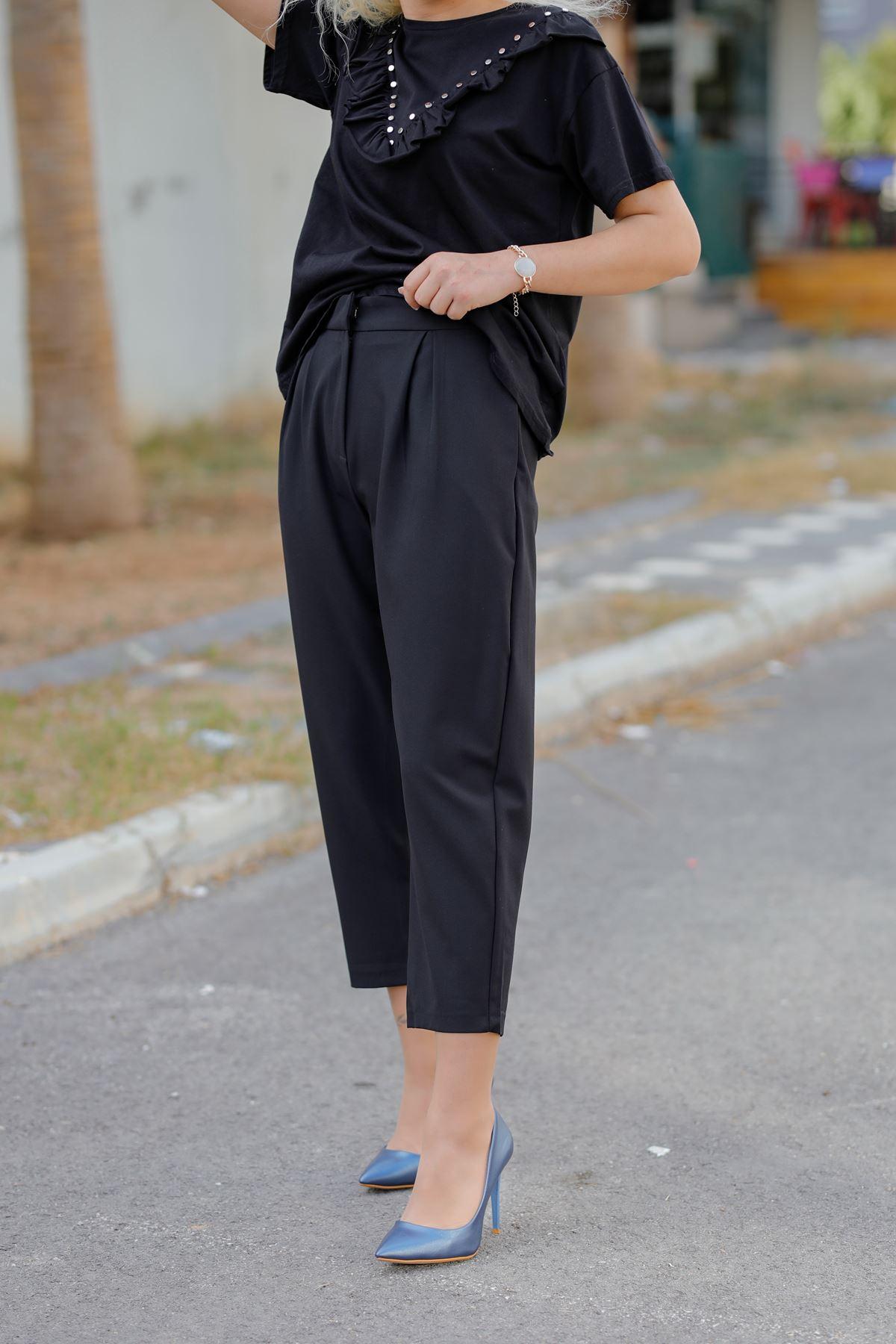 Siyah Pileli Pantolon