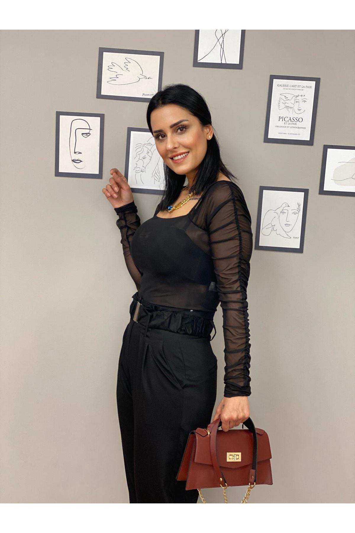 Siyah Kemerli Yüksek Bel Pantolon