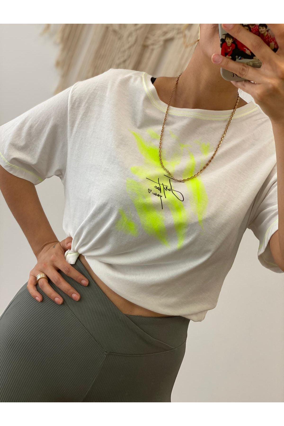 Yeşil Neon Detay Tshirt