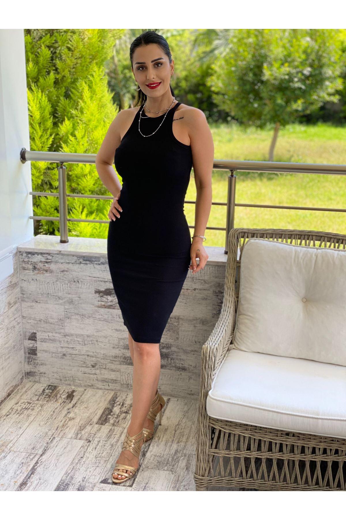 Siyah Halter Yaka Elbise