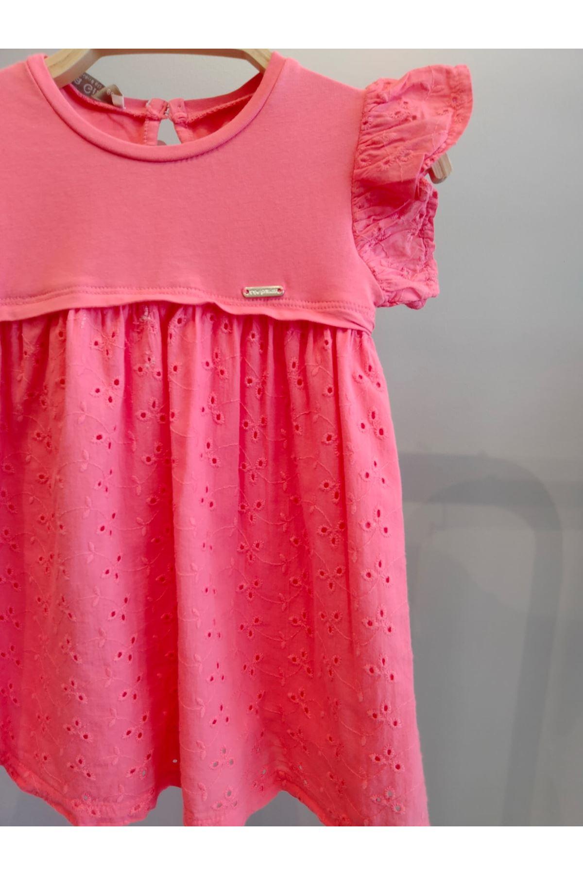 Pembe Omuzları Fırfır Detaylı Fisto Elbise