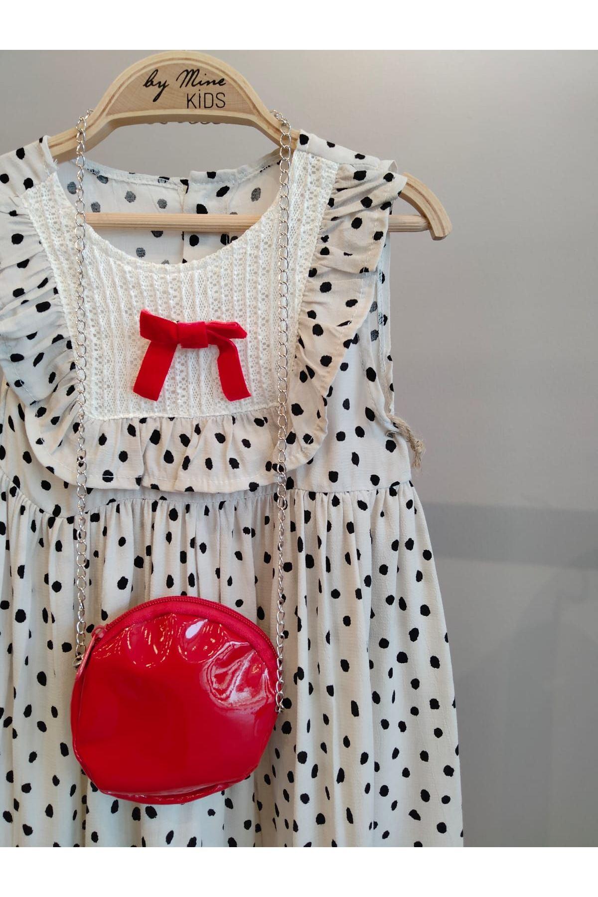 Kırmızı Kendinden Çantalı Elbise
