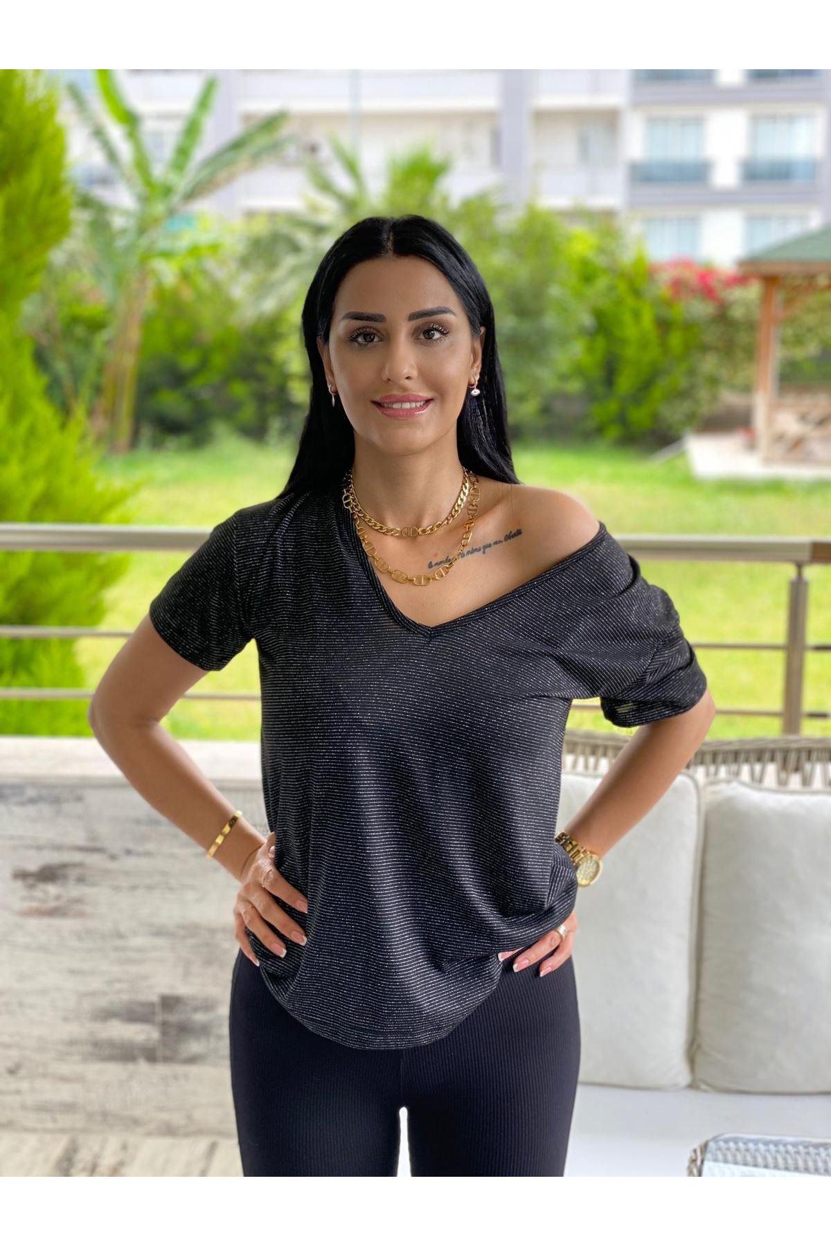 Siyah V Yaka Simli Tshirt